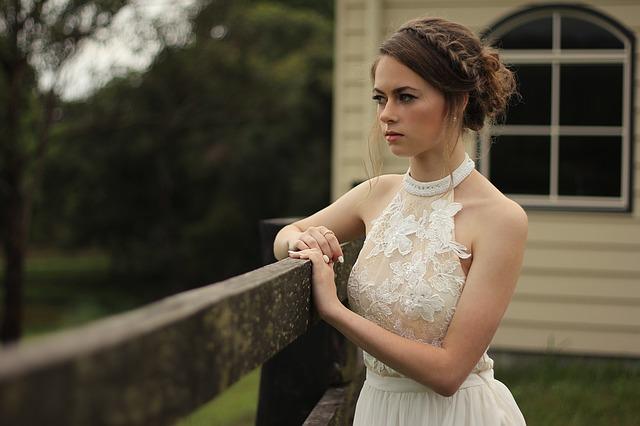 la limpieza profesional de los vestidos de novia